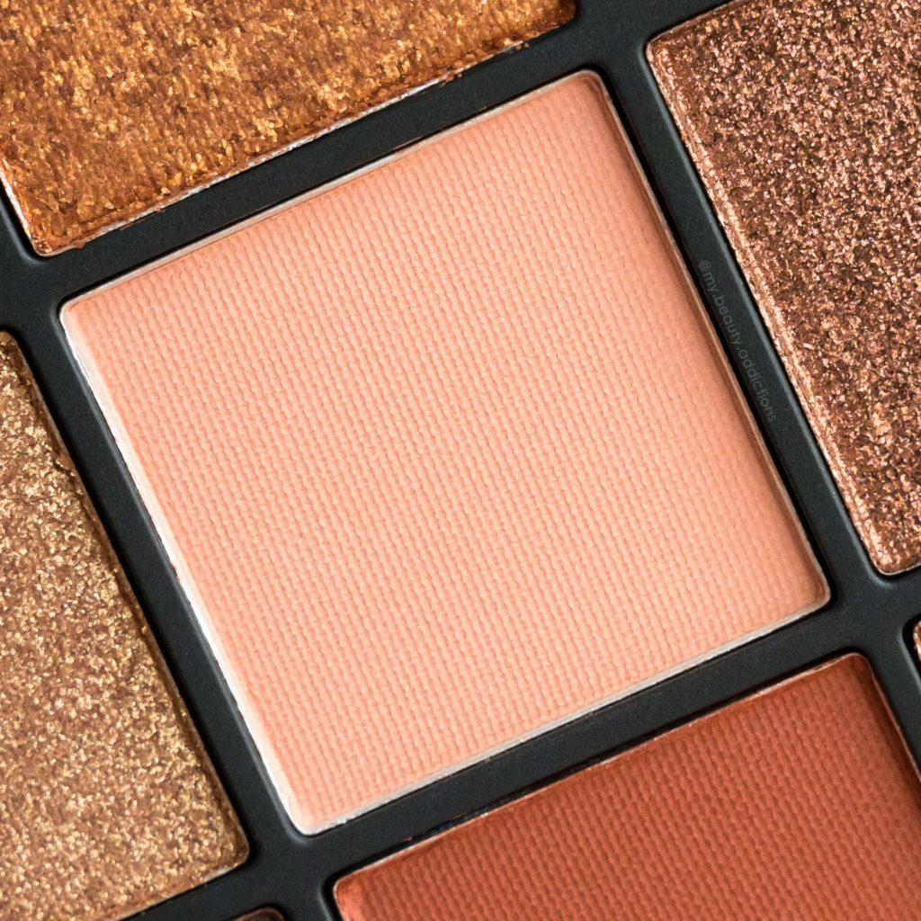 Huda Beauty Topaz Obsessions eyeshadow closeup